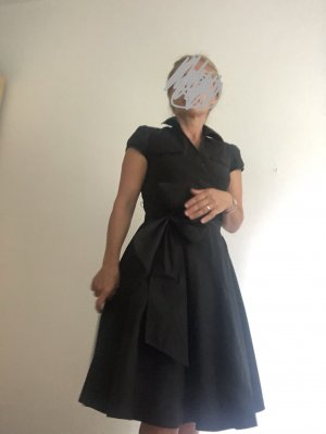 Ann Taylor LOFT Sukienka midi czarny