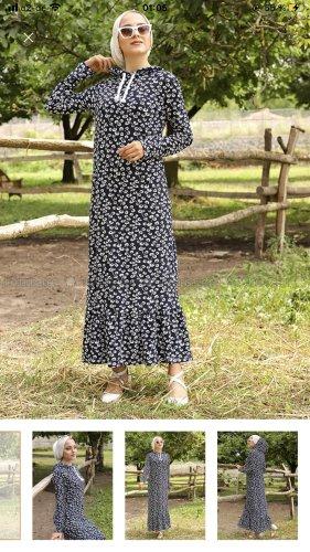 Modanisa Robe à capuche bleu foncé-blanc