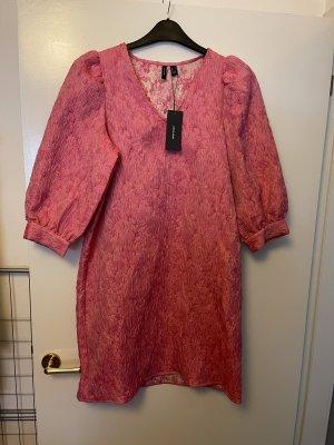 Vero Moda Vestido de manga corta rosa