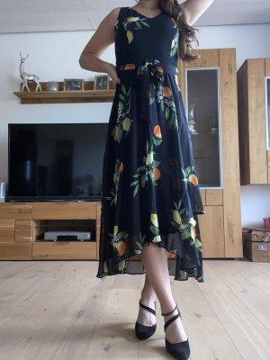 Billie & Blossom Sukienka z krótkim rękawem czarny
