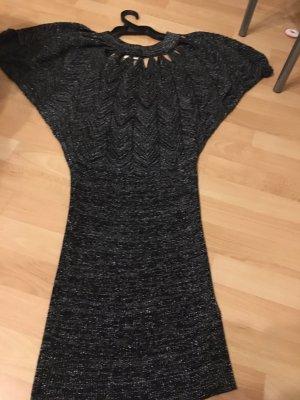 Sukienka z wycięciem srebrny-czarny