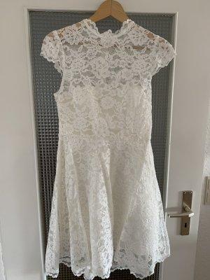 Forever New Sukienka z gorsetem w kolorze białej wełny-kremowy