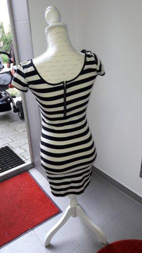 Swetrowa sukienka biały-ciemnoniebieski