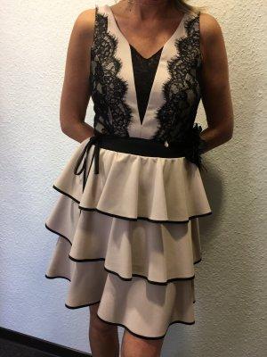 Rinascimento Vestido estilo flounce negro-crema