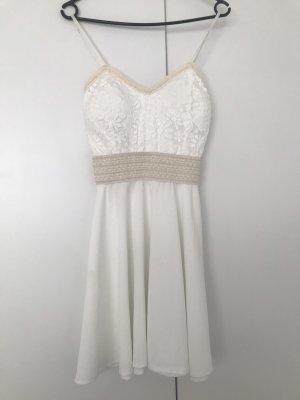 Sukienka o kroju litery A biały-kremowy