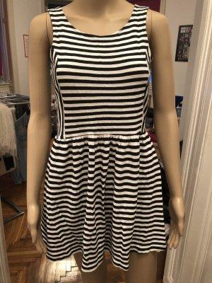 Pull & Bear Sukienka ze stretchu biały-ciemnoniebieski