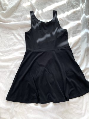 H&M Vestido cut out negro