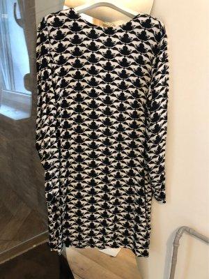 H&M Robe à franges noir-blanc