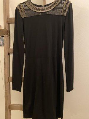 Kleid Armani Exchange mit tollen Details an Ausschnitt und Rücken