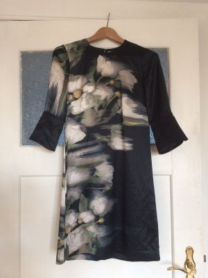 Kleid aus der Conscious Exclusive Collection
