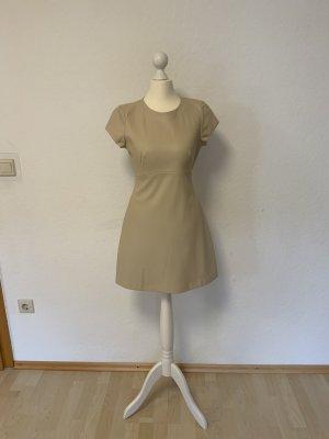 Kleid aus Kunstleder Nude