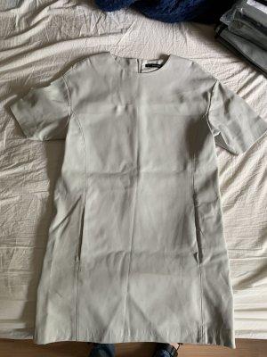 Kleid aus Kunstleder weiß