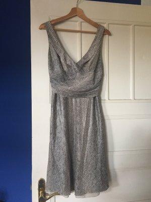 Kleid aus reiner Seide von Giorgio Armani