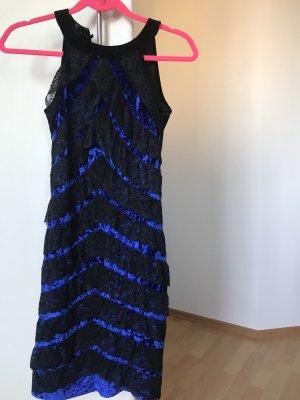 Kleid aus Samt pencil cut