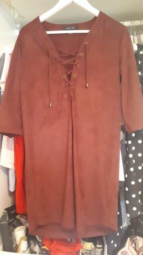 Kleid aus Wildlederimitat mit Schnürrung