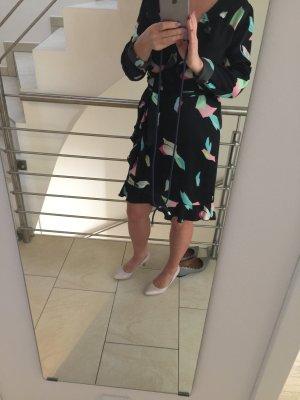 Kleid aus wunderbaren Stoff , sehr angenehm
