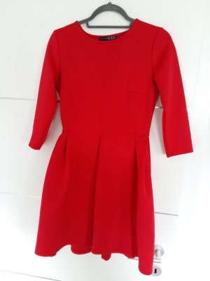 Kleid Ausgestellt Rot