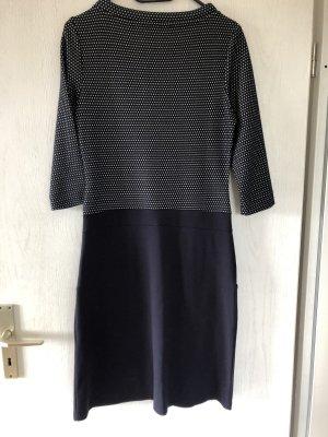s. Oliver (QS designed) Swetrowa sukienka ciemnoniebieski-biały