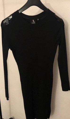 Wełniana sukienka czarny