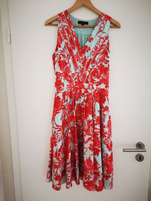 Kleid Banana Republic rot hellblau Blumen