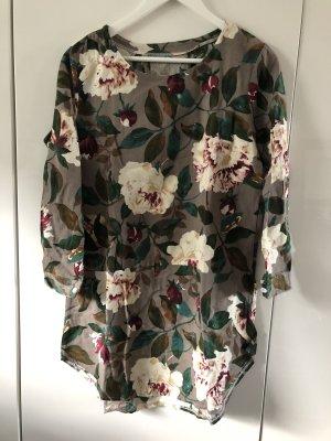 Kleid Blumen Muster