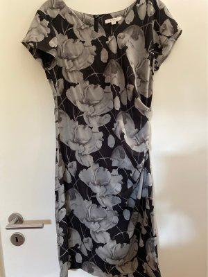 Kleid Blumenmuster schwarz weiß