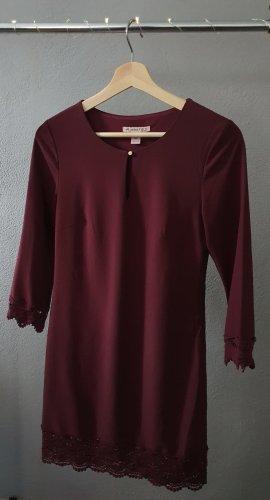 Kleid bordeaux burgund weinrot rot Spitze Häkelspitze gerade geschnittenes Winterkleid