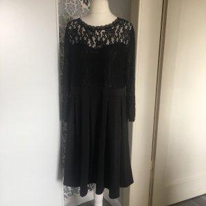 Kleid ca. Gr 48 maximal 50 schwarz spitze schick 3/4 Ärmel