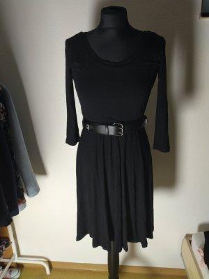 Kleid.
