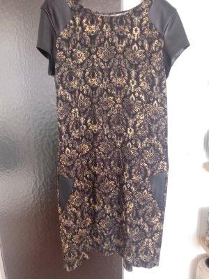 Chipie Sukienka z krótkim rękawem czarny-piaskowy brąz Wiskoza