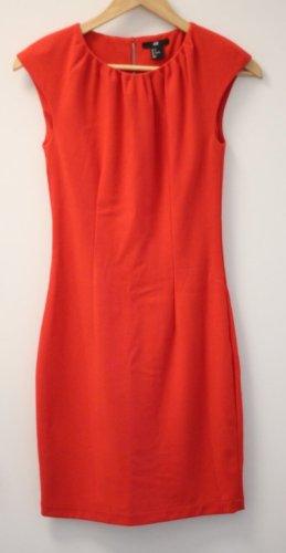 H&M Falda estilo lápiz rojo