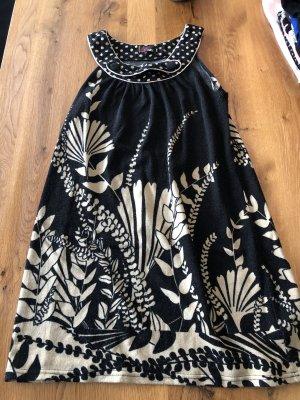 Yumi Wełniana sukienka czarny-kremowy