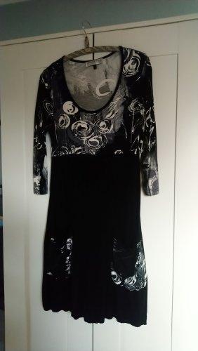 Kleid Dreiviertelarm