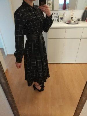 100 Longsleeve Dress white-black