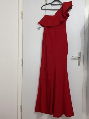 Robe de bal rouge foncé