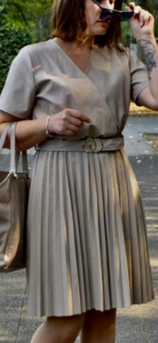 Skórzana sukienka kremowy