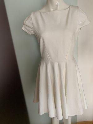 Closet Vestido corte imperio blanco