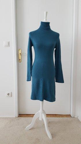 Kleid figurbetont mit Rollkragen