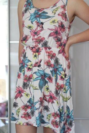 Kleid für den Sonmer mit Blumenmuster von Only