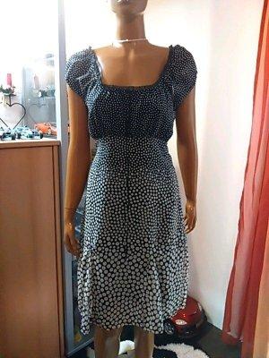 Kleid gepunktet Größe 38