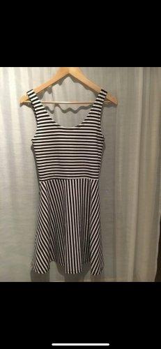 Kleid gestreift Größe M
