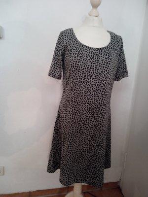 Kleid Gina Größe 40