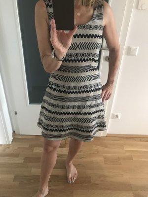 Kleid Gr 36/38, Ethnomuster