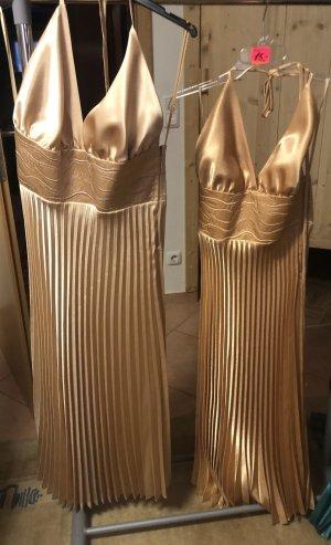 Vestido de un hombro marrón arena-color oro