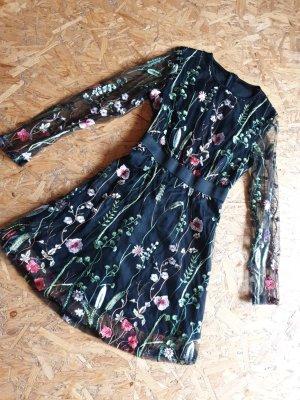 Kleid Gr. 36 schwarz mit Blumen Bestickt