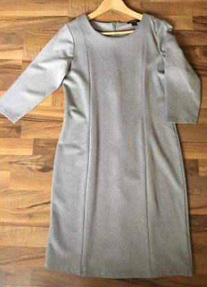 Kleid Gr 40 mit 4%Elastan