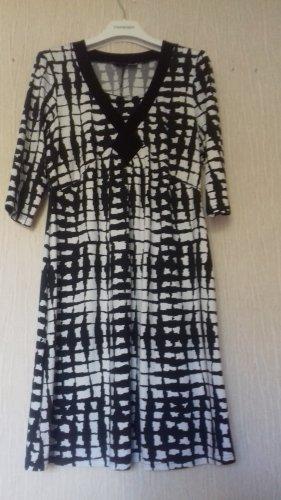 Amy Vermont Sukienka midi biały-czarny Poliester