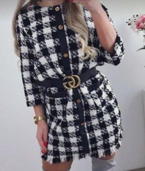 Zara Robe en maille tricotées blanc-noir
