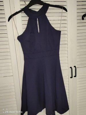 Vestido de cuello Halter azul oscuro