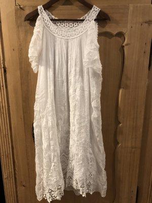 Kleid halblang mit Spitze